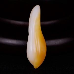 国家级玉雕大师【陶虎】工作室作品 和田玉糖白玉挂件花卉