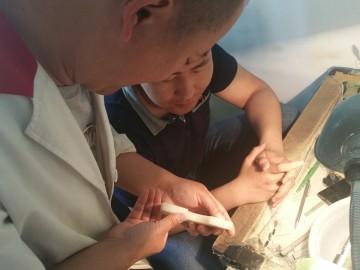 罗永东大师指导弟子学习